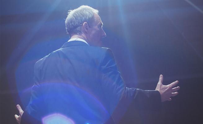 Bodo Schäfer Rücken Vortrag positionierung